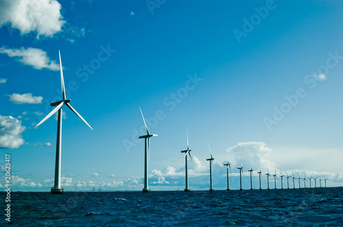 Windmills further, horizontal - 20673417