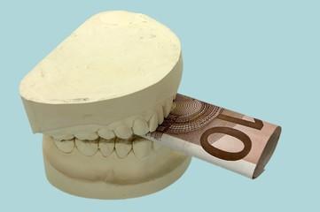 Gebiß mit 10 € Praxisgebühr