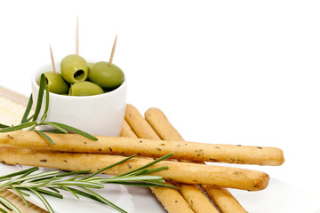 Gressins au romarin et olives vertes