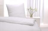 Weisses Bett