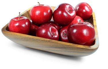 Äpfel in Holzschale