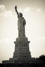 Freiheitsstatue w Nowym Jorku, monochrom