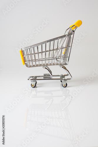 chariot achat consommation supermarché économie course