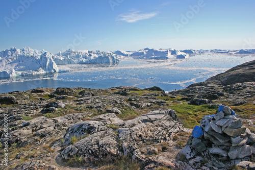 By Jakobshavn ice fjord. - 20883090