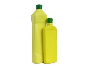 Zwei gelbe Plastikflaschen