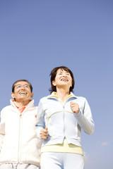 ジョギング中の夫婦