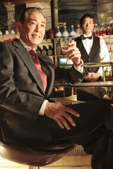 ウイスキーを飲む社長