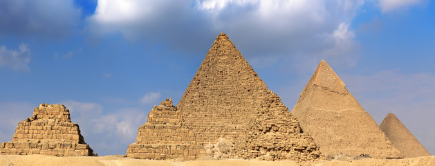 Great Pyramids-of Pharaoh Khufu, Khafre and Menkaure. Egypt