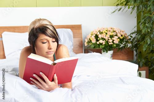 geschichten lesen online frau im bett