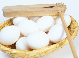 eggs in plate basket