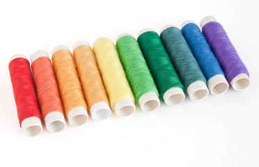 rocchetti di filo colorati