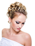ringlet wedding hairstyle