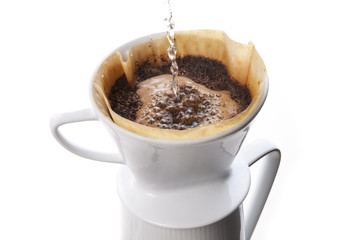 Kaffee kochen mit Porzellan-Filter