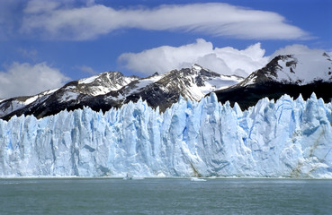 The blue ice wall of glacier Perito Moreno