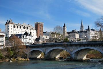 Le Gave et le chateau de Pau