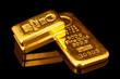 Goldbarren übereinander