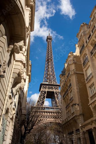paryska-ulica-z-fasadami-kamienic