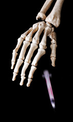 Skeleton hand drop a injection