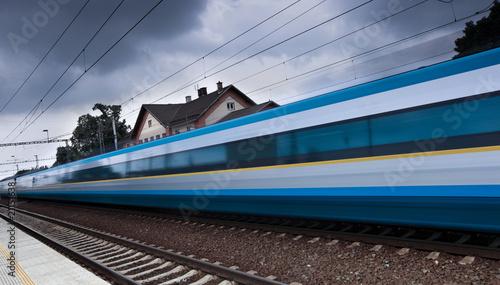 fast train - 21151638