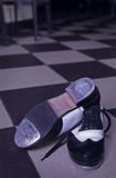 Apăsaţi pantofi de dans pe ţiglă