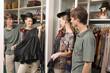 Leinwanddruck Bild - Shopping makes us happy