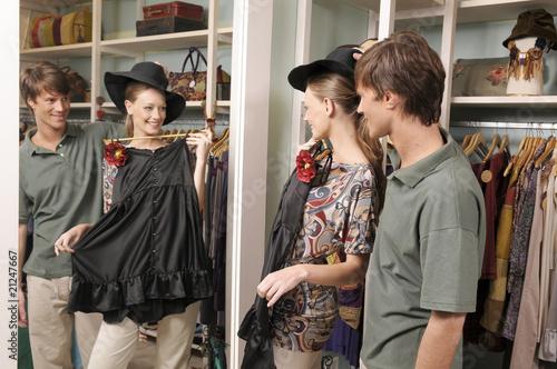 Leinwanddruck Bild Shopping makes us happy