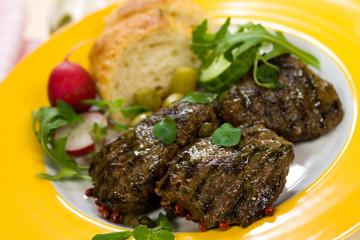 Lamm Medaillons - Steak- mit Rucola, Baguette