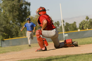 runner approaching to catcher
