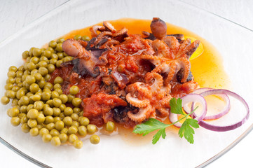octopus with tomato sauce and peas