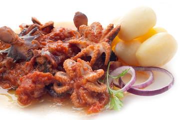 octopus in tomato sauce with potato