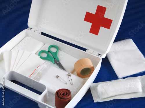 first-aid kit - 21403267