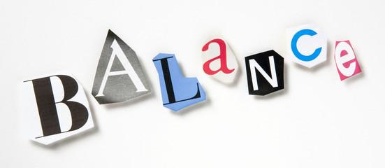 concept mot balance lettre colorées découpage