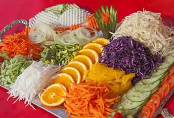 Gemüseplatte auf Tablett