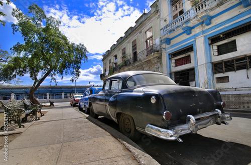 Havana Street with Oldtimer