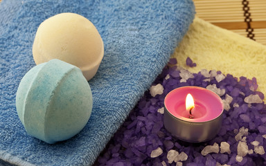 Violet  salt with candle and bath balls
