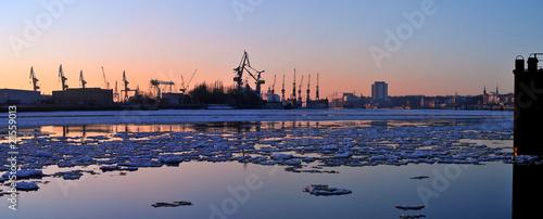 Leinwanddruck Bild Eisgang auf der Elbe