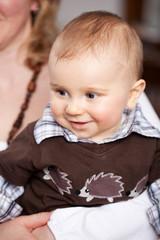 lächelnder kleiner junge
