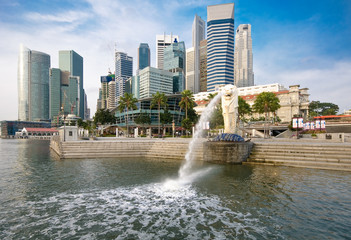 Singapur, Business District with Merlion