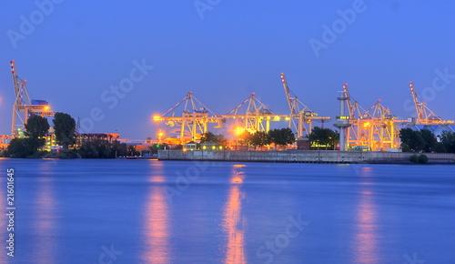 Leinwanddruck Bild Docks Hamburger Hafen am Abend