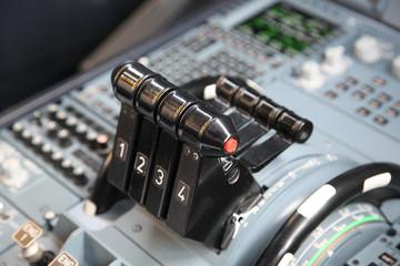 airplane throttles
