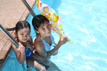 friends at the swimming pool
