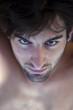 Jeune homme torse nu