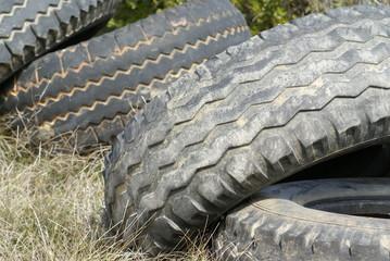 décharge de pneus