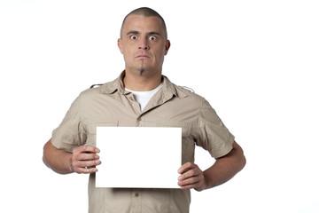 jeune homme très serieux banderole blanc
