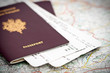 Passeports et billets d'avion - 21691208