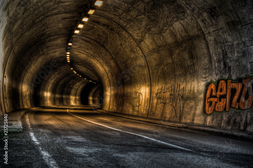 Tunnel - HDR