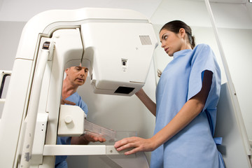 Performing a mammography