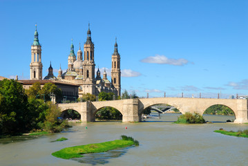 Ebro river and Cathedral of Virgen del Pilar