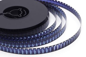 Bobine de film 8 millimètres sur fond blanc