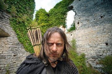 Grimmiger Bogenschütze Robin Hood